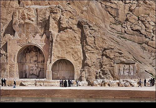 نام کرمانشاه همراه با نام قهرمانی و پهلوانی آمیخته شده است