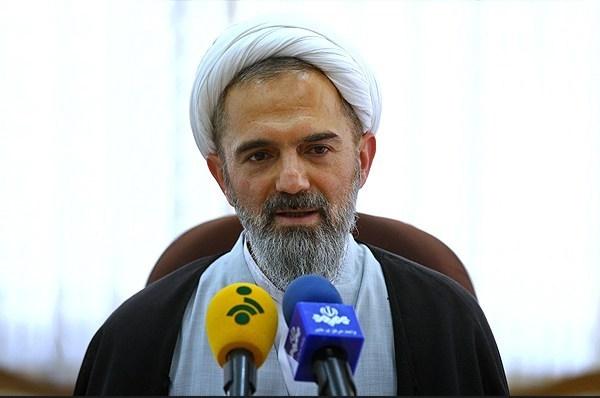 ستاد استهلال دفتر مقام معظم رهبری شنبه را اول ماه مبارک رمضان اعلام کرد