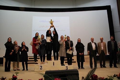 بانوان اصفهانی در مسابقات سراسری شنای خطوط لوله و مخابرات نفت ایران قهرمان شدند