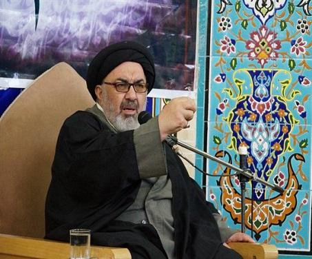لقمه حلال خربزه کاران گرگابی باید انسانهای اهل شهادت و معتقد به اسلام را بسازد