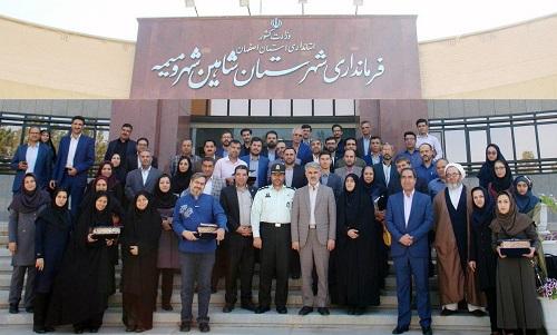 گزارش تصویری تجلیل فرماندار شاهینشهر و میمه از خبرنگاران